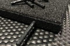 TDJ Gummiflise samles med dyvler